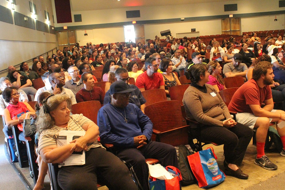 320 Lynwood Unified Teachers Learn to Integrate New ...
